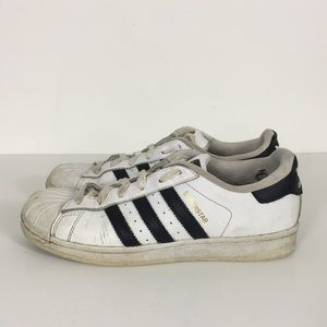 finest selection 2838d add50 Women's Adidas Superstar Sneakers | Poshmark